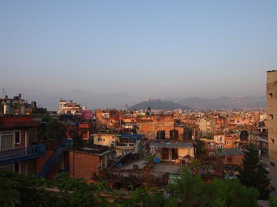 Kathmandu Peace Guest House: Rooftop view 2