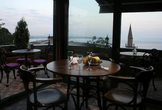 Dersaadet Hotel Istanbul : The Roof Terrace