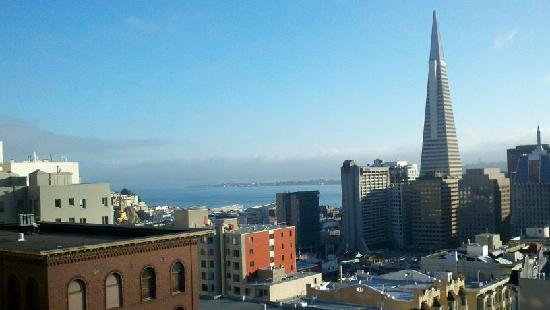 เรเนสซอง สแตนฟอร์ด คอร์ท: The view from our 6th floor Bay View room