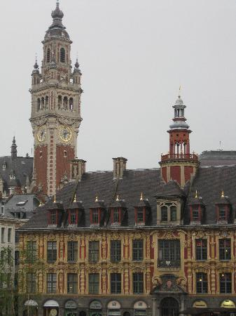 Vue de l'Opéra de Lille à partir de la salle du premier étage Chez Méo Café
