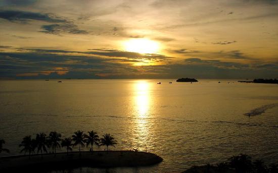 Corus Paradise resort: Sunset.