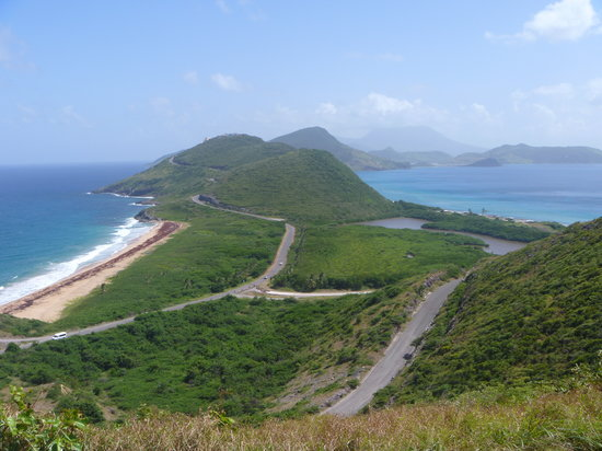 Бастер, Сент-Китс: Atlantic Ocean on one side, Caribbean Sea on the other