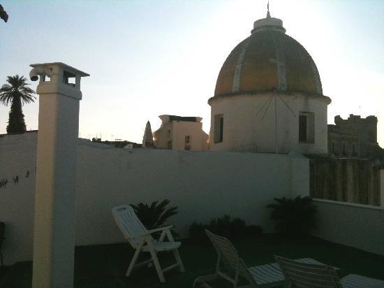 Pensione Di Lustro: Uno scorcio laterale della terrazza