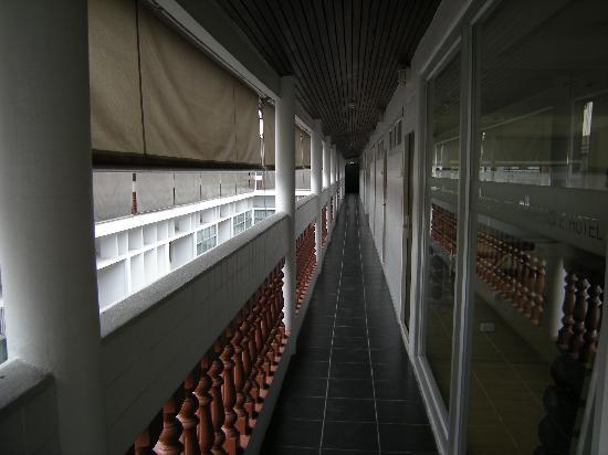 Chaydon Bangkok: Couloir extèrieur