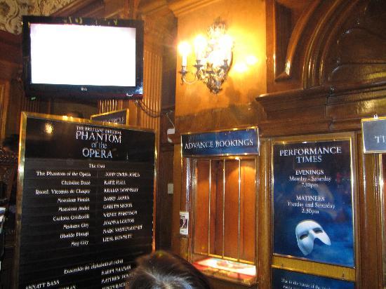 Phantom of The Opera London : Her Majesty Theatre