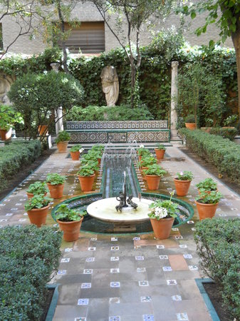 Musée Sorolla : The gardens leading into Sorolla's home