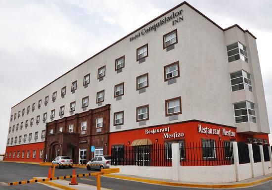 Hotel Conquistador Inn By US Consulate: Fachada hotel