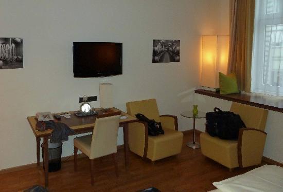 Hotel Rathaus Wein & Design: Und noch ein Blick ins Zimmer 003.