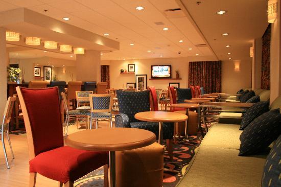 Hampton Inn by Hilton Saltillo Airport Area: Nuevo Lobby/Perfect Mix Lobby