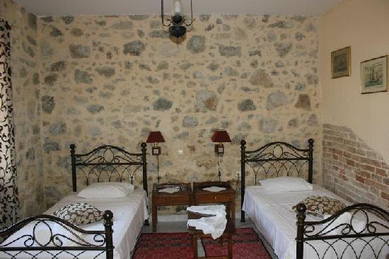 Hariklia Rent Rooms: room