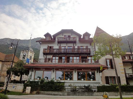 Logis La Villa du Lac Hotel: View of hotel