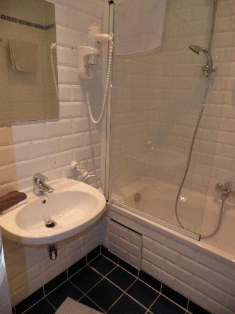 The Residence Les Ecrins: El baño I