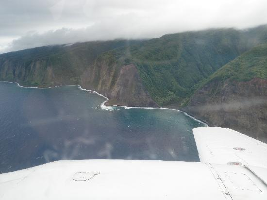 Volcano Air Tours: Flying up the coast
