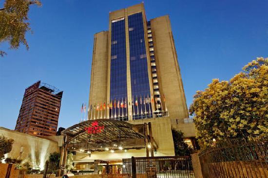 サンティアゴ空港 ホテル