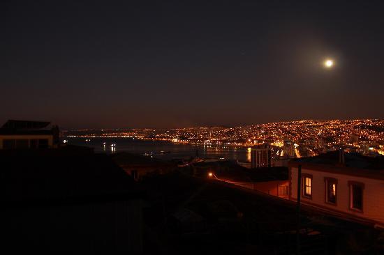 Hostal Acuarela: Vista nocturna desde la terraza
