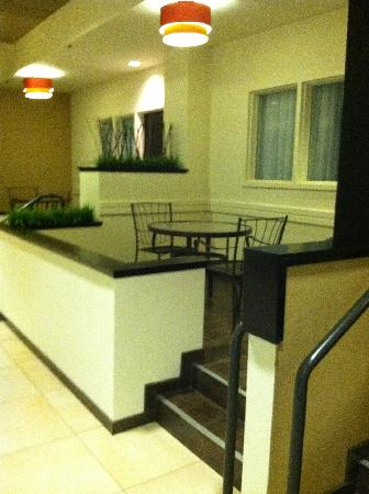 BEST WESTERN PREMIER Nicollet Inn: Business Center Entrance