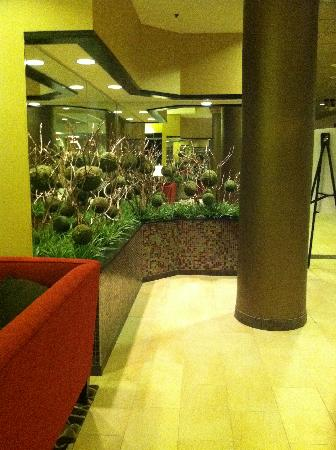 Best Western Premier Nicollet Inn: Lobby Decor