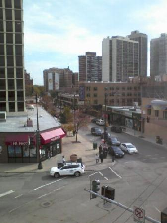 Days Inn Chicago: Street view from room