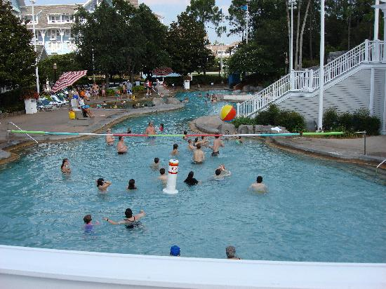 Disney's Beach Club Resort: Pool area (sandy bottom and sinking sand)