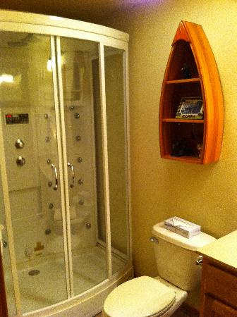 Village At Indian Point: Guest Bath with Steam Shower