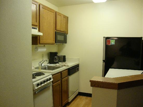 TownePlace Suites Bloomington: Kitchen