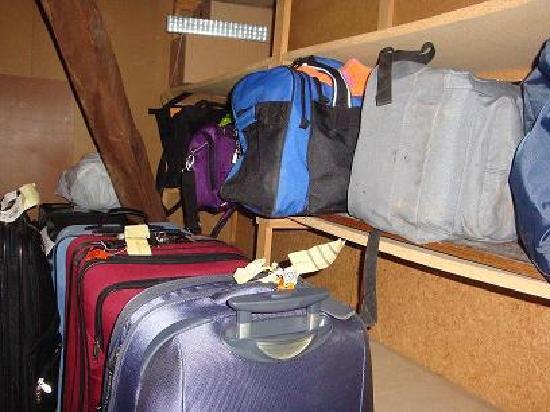 Atacama Low Cost: guardamaletas