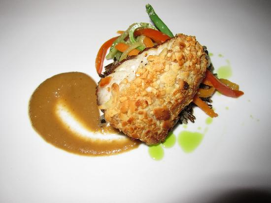 Nectar at Florblanca Resort: Final dinner- Almond Crusted Local Pargo, Steamed Wild Rice and Chiptole Banana Rum Glaze