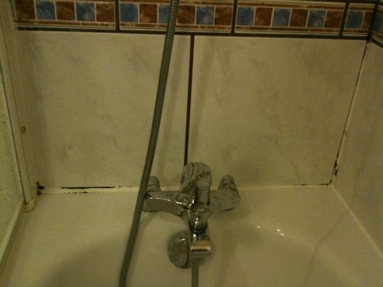 เมอร์เคียว ปารีสเซ็นเตอร์ ตูร์เอฟเฟล: salle de bain
