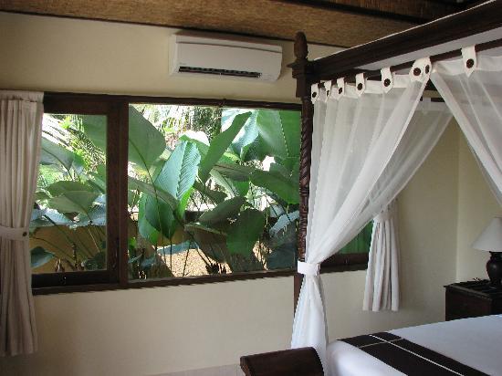 ศรี บังกาโลส์ อุบุด: deluxe bungalow room