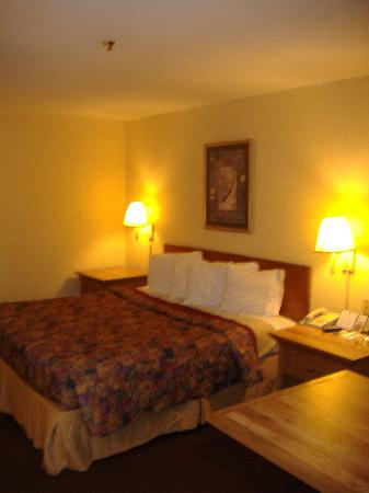 Rodeway Inn: bed