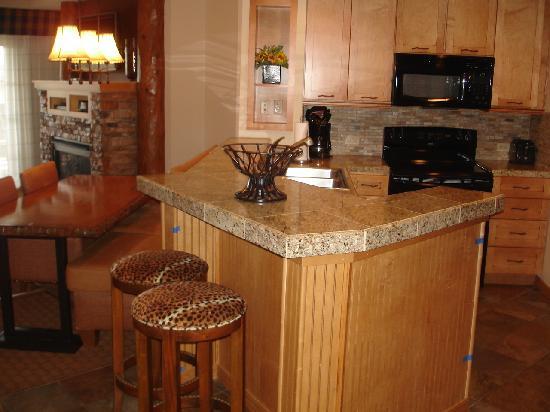 Lights Over The Bathroom Sinks Picture Of Lodges At Timber Ridge Branson Branson Tripadvisor
