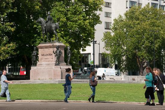 Sunshine on the Duke of Wellington statue