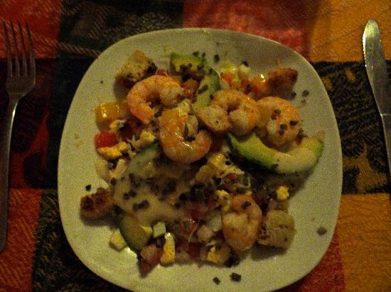 Eva`s Brickhouse: Shrimp and avocado salad