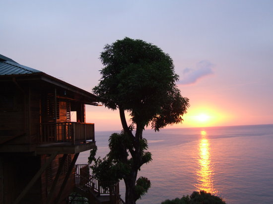 Castara, Tobago : Birdsong Lodge at sunset