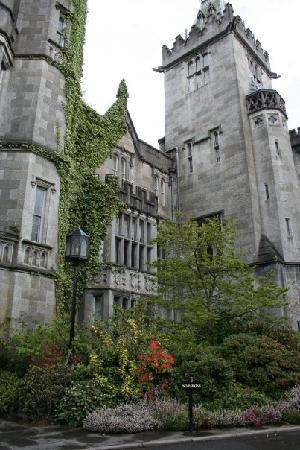 Adare Manor: Entry to manor