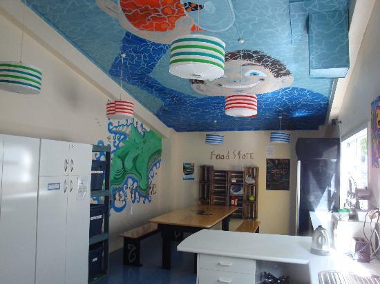 Fish Tank Lodge: Our very stylish kitchen