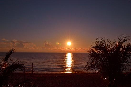 Beachcomber Resort and Villas: Sunrise view from Villa suite 915