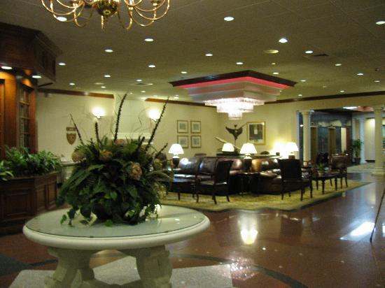 DoubleTree by Hilton Hotel Flagstaff: Foyer