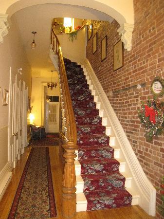 Bed & Breakfast Manoir Mon Calme: delicate stairs