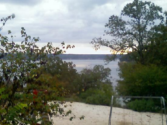 Kenlake State & Resort Park: View (pictures taken with a crappy camera phone early in the morning)