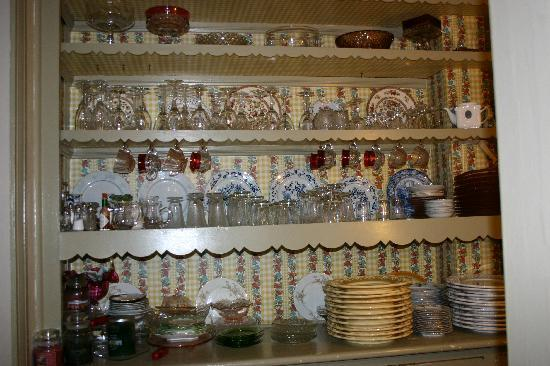 Pine Bush House Bed & Breakfast: Pantry