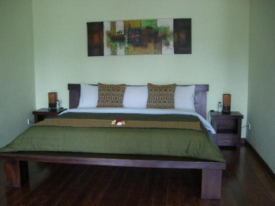 Suara Air Luxury Villa Ubud: Our King size bed