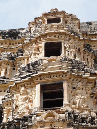 KRK Lodge : Hampi-Virupaksha Temple