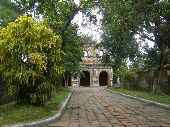 เดอะ ซิทาเดล: one of the gates