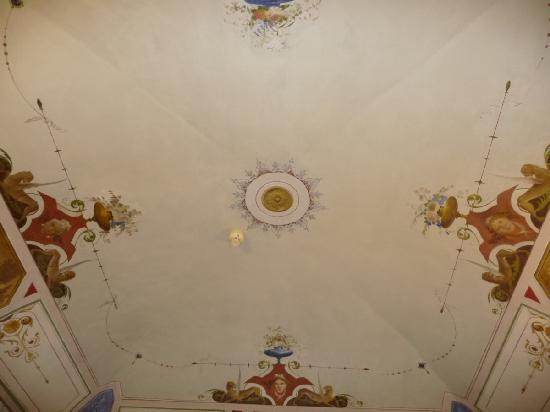 Palazzo Bocci: Frescoed ceiling, nice but not the nicest I have seen in Italy.