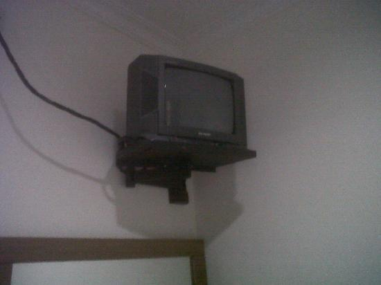 Asphodel Inn Singapore : the tv with cable channels