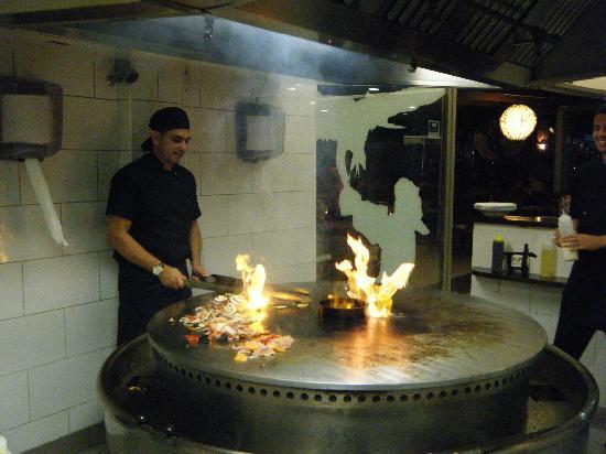 Restaurant Mongolian BBQ: cooking dinner