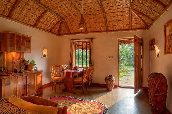 Orange County Resorts Kabini: Jacuzzi Hut - Dining Room