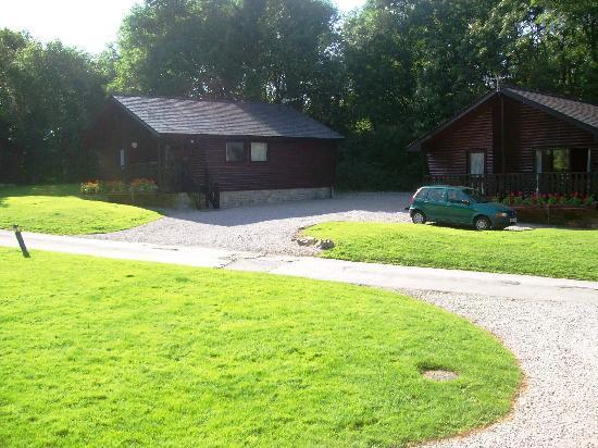 Woodlands Hotel & Pine Lodges: Older lodges