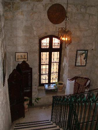 Jerusalem Hotel: Stairwell from ground to second floor